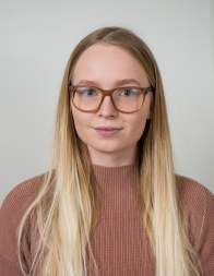 Varam. Jóna Ástudóttir - stjórnmála- og mannfræði